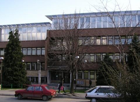 Dom-zdravlja-zgrada-650x400